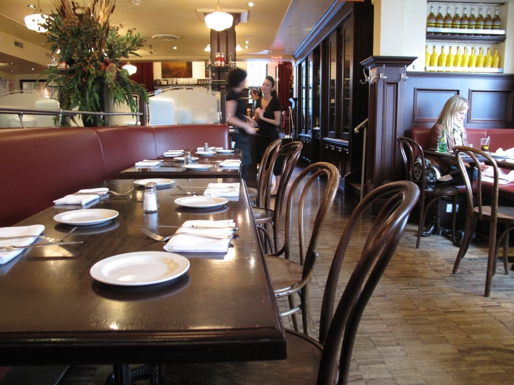 King West Restaurants: Le Select is a popular French cafe and bistro.