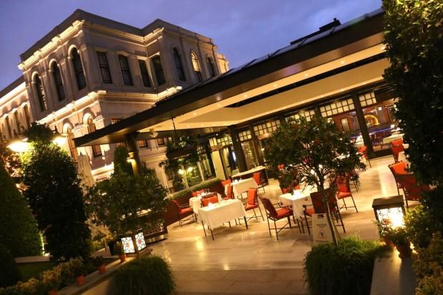 Aqua Restaurant at Four Seasons Hotel Istanbul At The Bosphorus