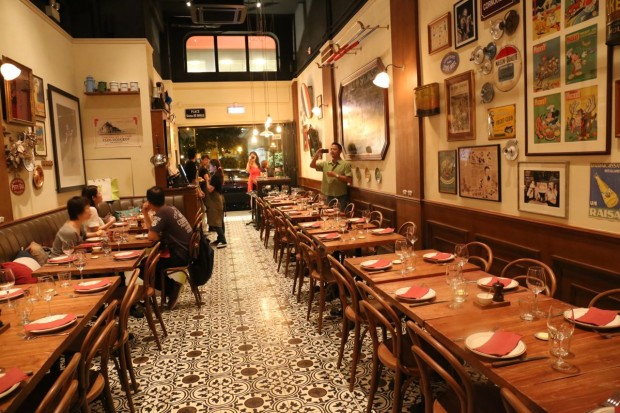 French Restaurant Bistro du Vin in Hong Kong