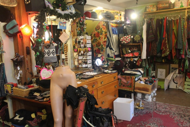 Spirit Halloween is your destination in Ottawa for costumes, props, accessories, hats, wigs, shoes, make-up, masks and much more!