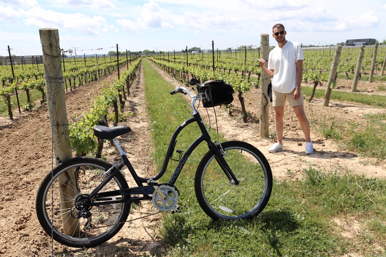 Canadian Road Trip Must-Do: A wine tour by bike in Niagara on the Lake.