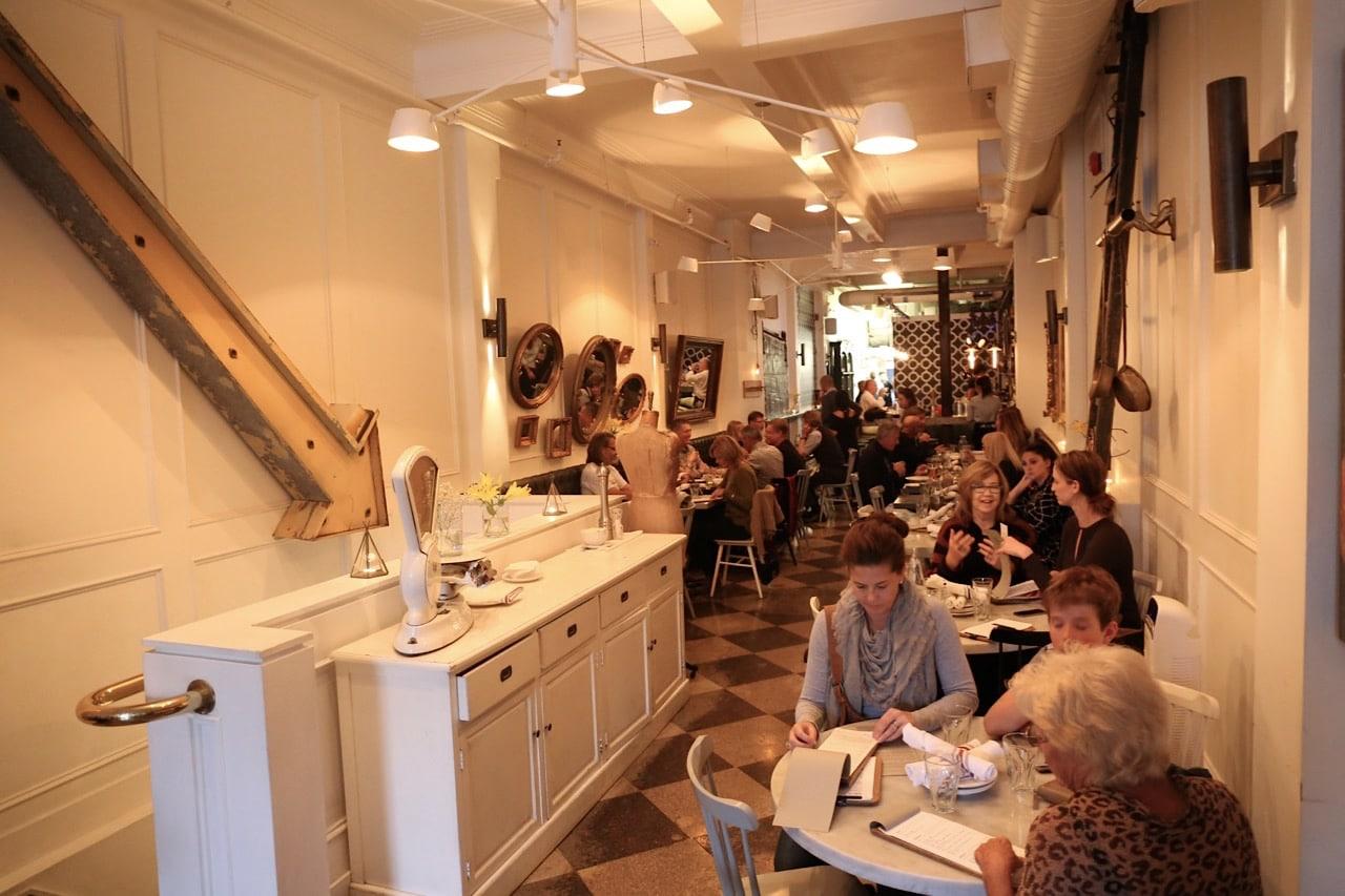 The dinning room at Nodo Junction.