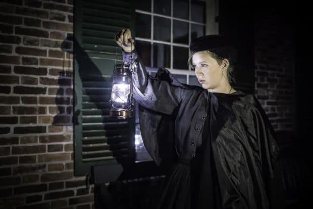 Halloween Lovers Get Spooked on Haunted Ghost Tour of Toronto