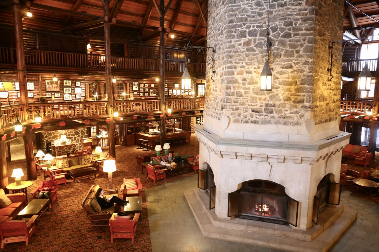 A luxurious winter wonderland at fairmont le chateau for Montebello fireplace
