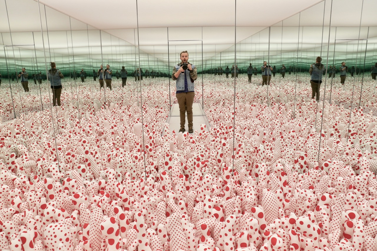 10 Snaps From The Ago S Magical Yayoi Kusama Infinity