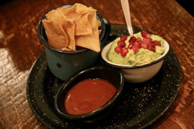 Campechano Toronto: guacamole with salsa and nachos