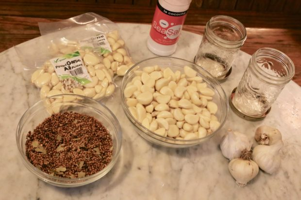 Ingredients you'll need to prepare fermented garlic.