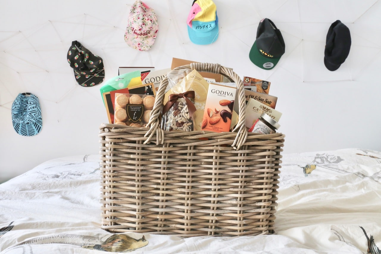 A luxurious corporate gift basket from My Baskets in Toronto.