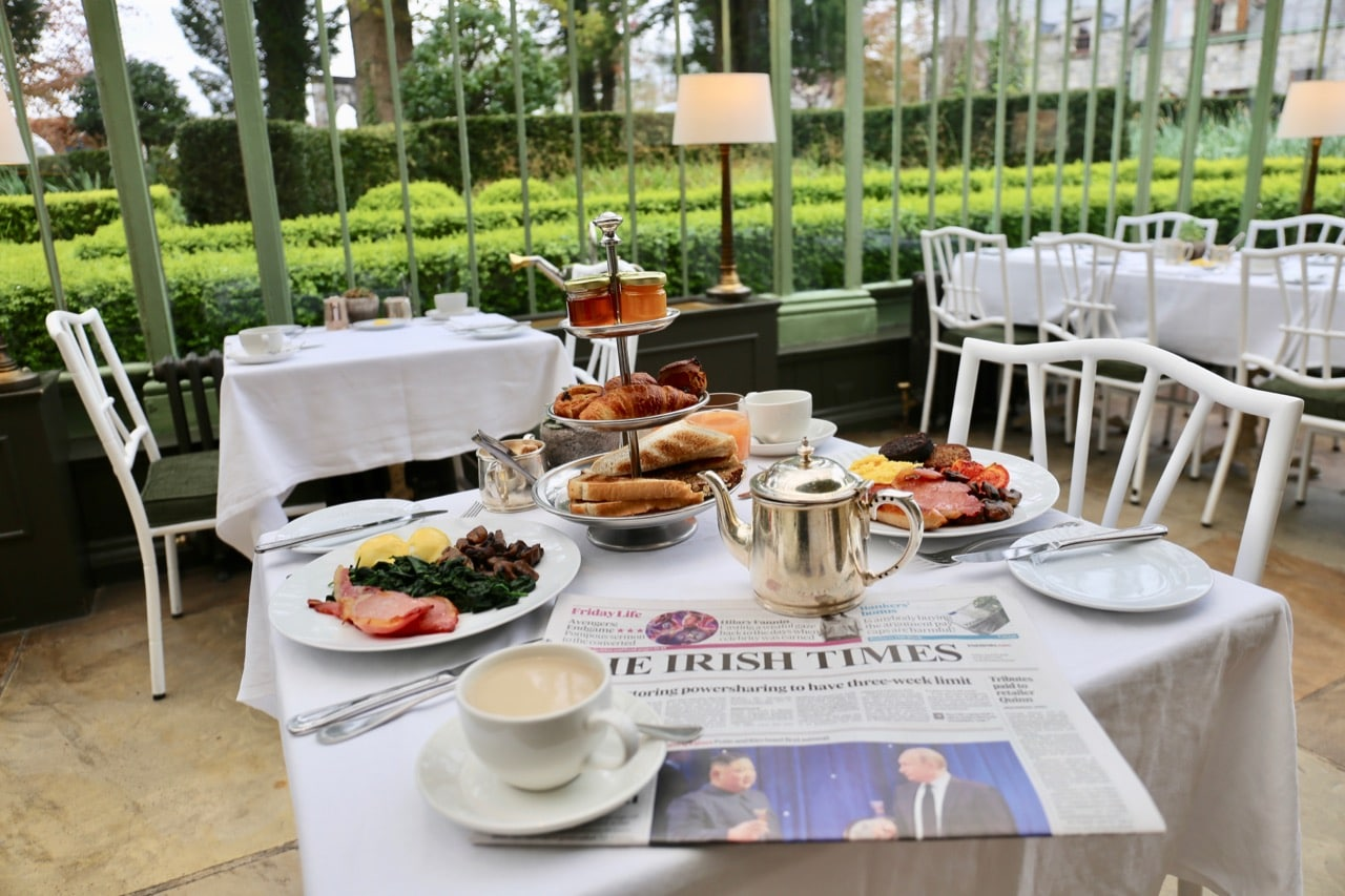 Wake up from your Cliff at Lyons Wedding to indulge in a full Irish breakfast.