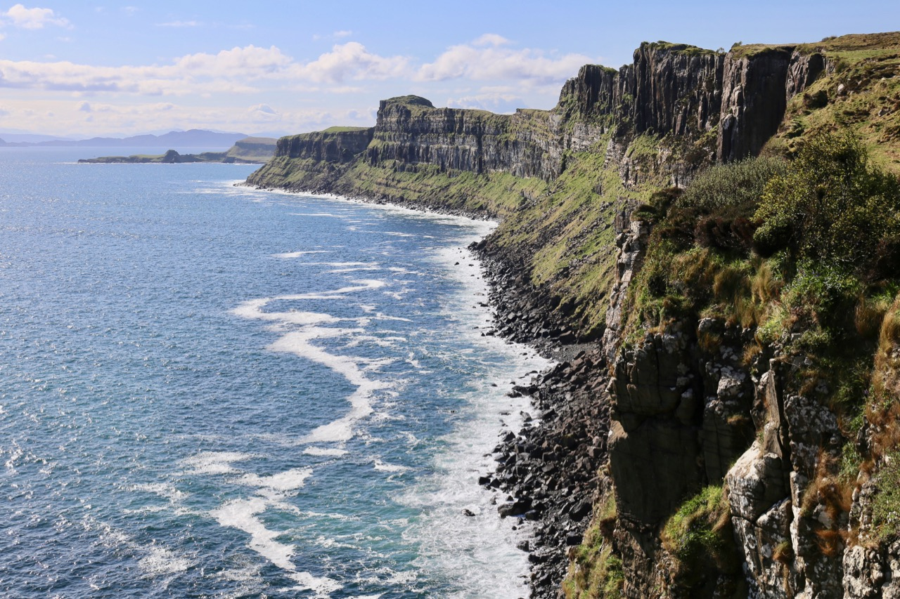 Enjoy a pitstop at Kilt Rock and Mealt Falls to enjoy Skye's jaw-dropping scenery.