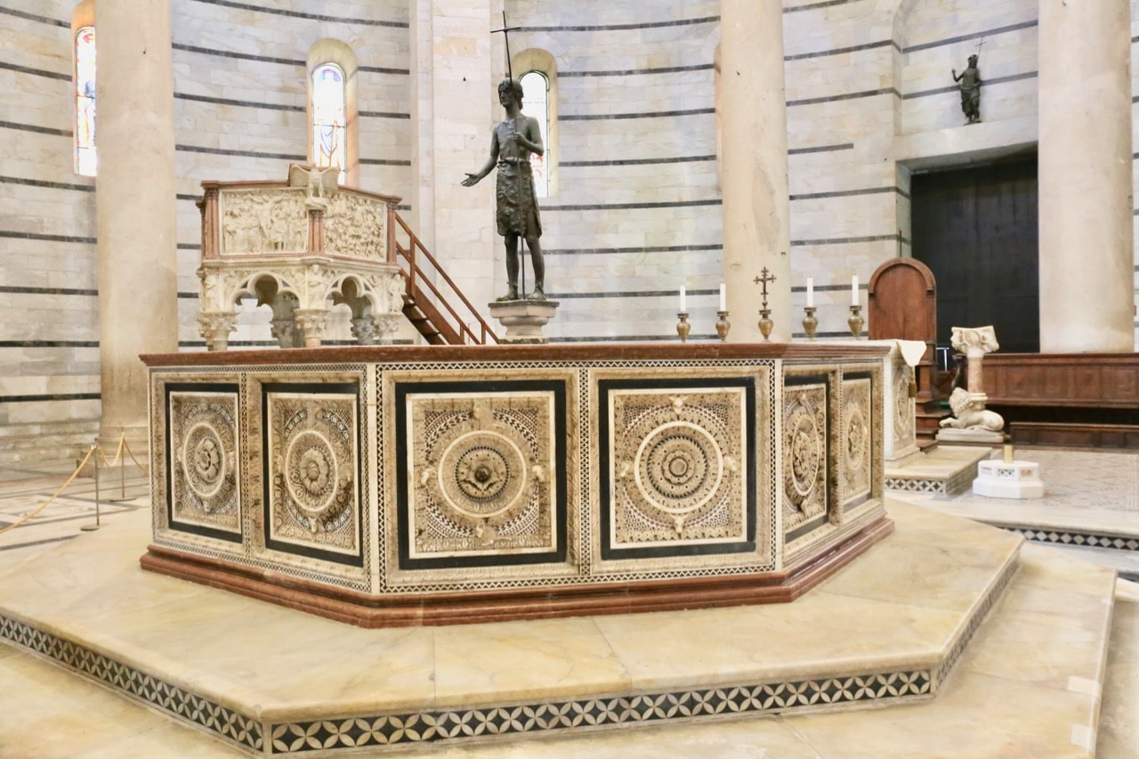 Pisa Attractions: Time your visit to the Baptistery so you can enjoy a short operatic performance.