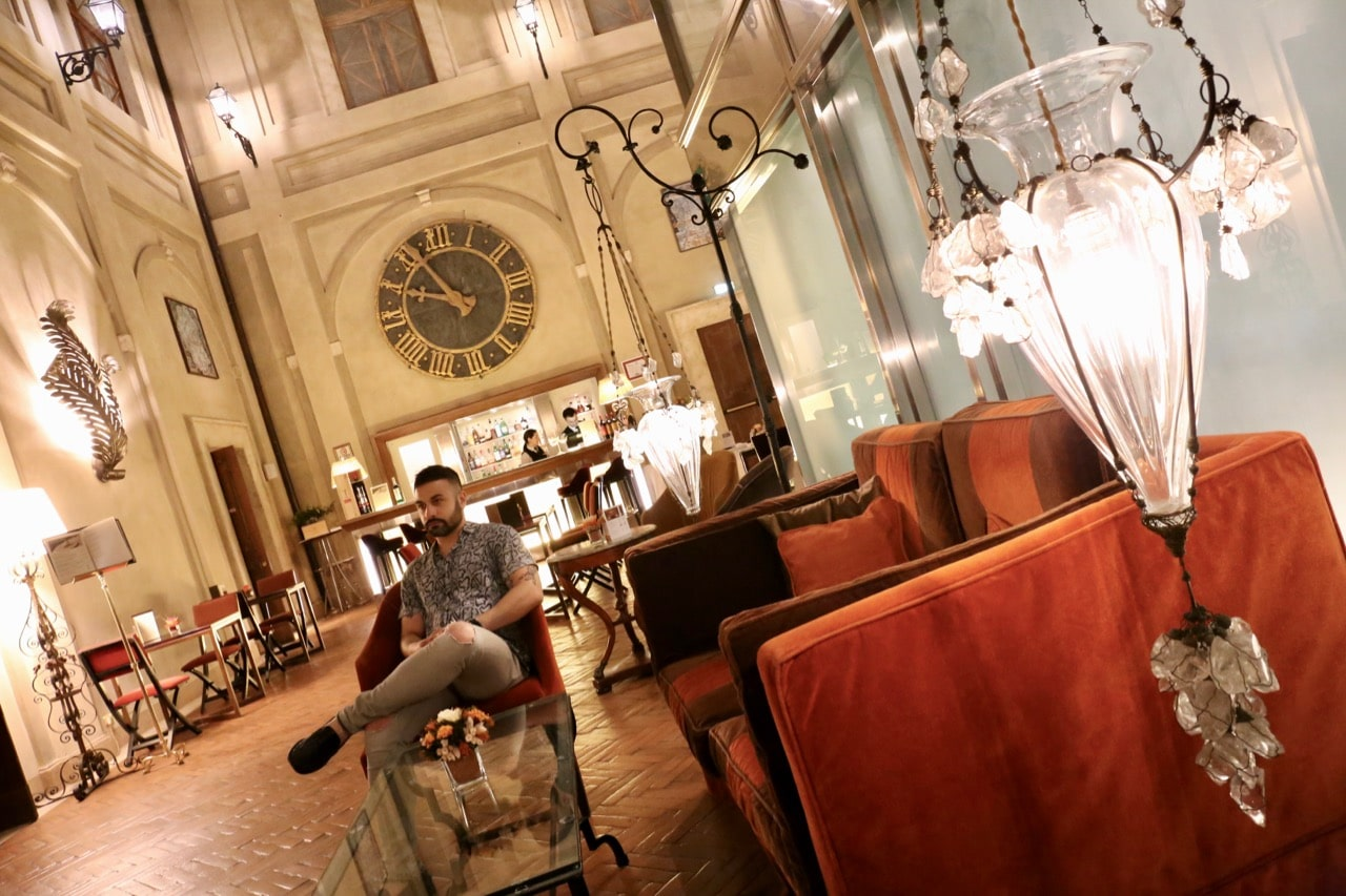 Enjoy a late night cocktail at Grand Hotel Continental Siena's bar.