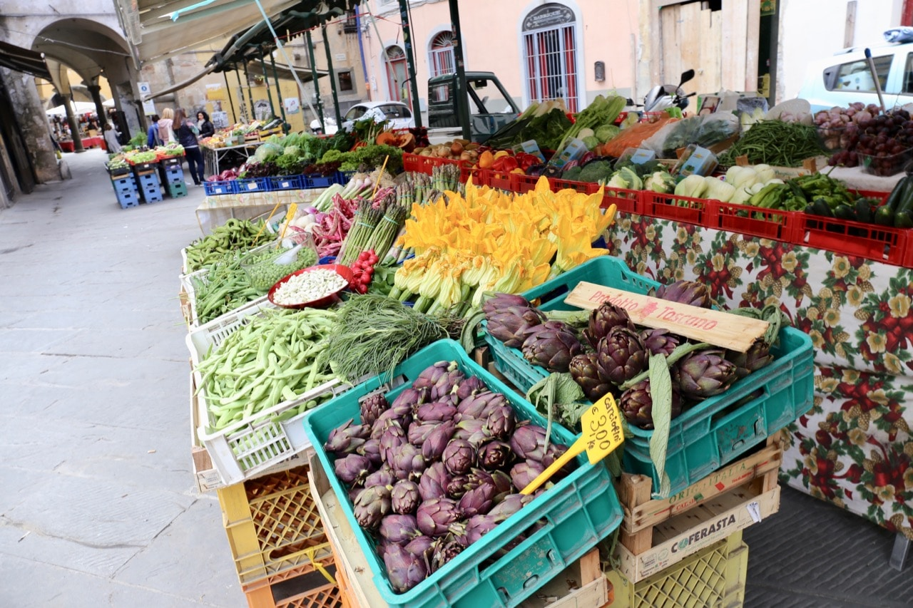 Sample what's fresh on the farm at Piazza Sant'Omobono Market.
